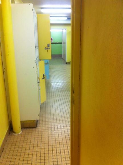 salle 002 : petit bourgeois sauvage